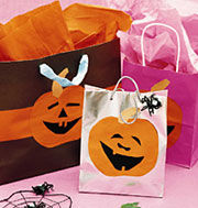 Halloween Crafts: A Cool Candy Carrier - DIY arts and crafts