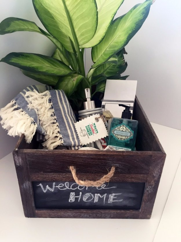 15 Of The Best DIY Housewarming Gifts That You Can Make To Impress