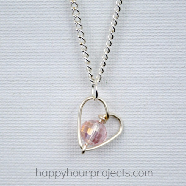 Best DIY Valentines Day Gifts - DIY Wire Wrapped Heart Necklace - Cute Mason Jar Valentines Day Gifts and Crafts for Him and Her   Boyfriend, Girlfriend, Mom and Dad, Husband or Wife, Friends - Easy DIY Ideas for Valentines Day for Homemade Gift Giving and Room Decor   Creative Home Decor and Craft Projects for Teens, Teenagers, Kids and Adults http://diyjoy.com/diy-valentines-day-gift-ideas