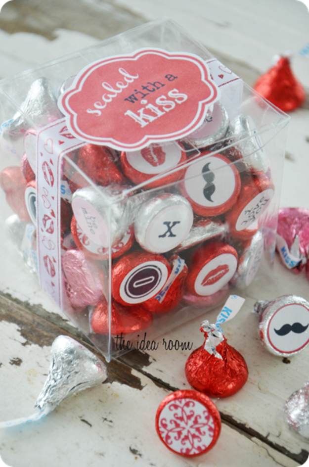 Best DIY Valentines Day Gifts - Sealed With A Kiss Valentines Gift - Cute Mason Jar Valentines Day Gifts and Crafts for Him and Her   Boyfriend, Girlfriend, Mom and Dad, Husband or Wife, Friends - Easy DIY Ideas for Valentines Day for Homemade Gift Giving and Room Decor   Creative Home Decor and Craft Projects for Teens, Teenagers, Kids and Adults http://diyjoy.com/diy-valentines-day-gift-ideas