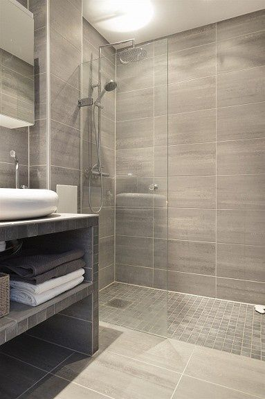 How to decorate your bathroom with reasonable price
