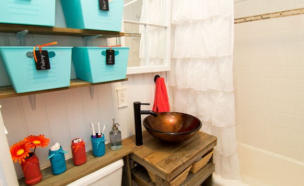 10-Chic-and-Clever-Diy-Ideas-For-Small-Bathrooms-7