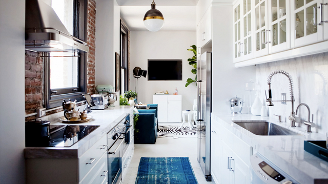 6 Ideas For Decorating a One-Bedroom5