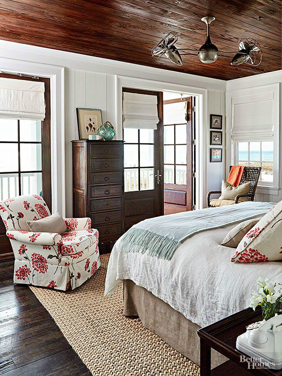 Cottage-Style Bedroom
